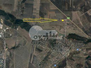 Teren pentru construcții, 9 ari, zonă liniștită - Tohatin 15000 €