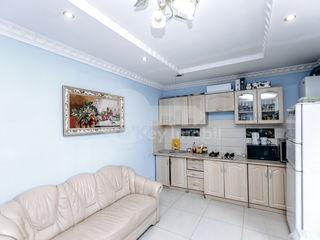 Apartament cu două camere în chirie