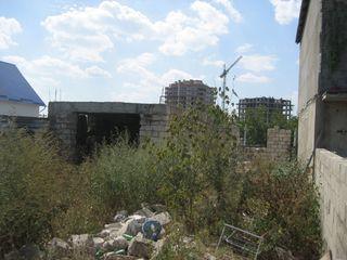 Urgent, doua garaje nefinisate a cite 70m.p., proprietate privata, 13500 e