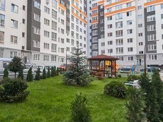 Apartament cu 2 camere, Centru, cu reparatie, urgent!