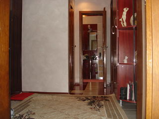 Apartament cu 2 camere la Botanica Bd.Dacia!