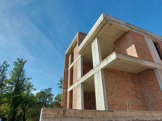 Casa - botanica linga parc,  Cartier Rezidential Poiana Pinului