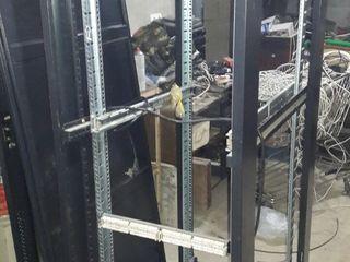 Серверный шкаф. Напольный  2000х60х95 Сталь стекло.