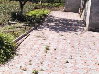 Casă cu veranda, grădină și teren preț negociabil pe loc