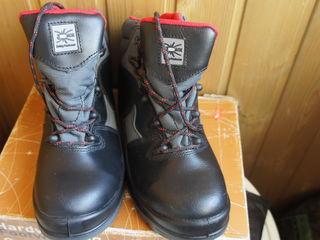 Ботинки -   Red Back   -   39 Размер