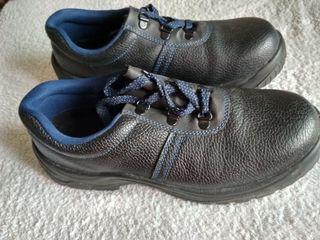 Продам кожаные ботинки 41 и 42 р
