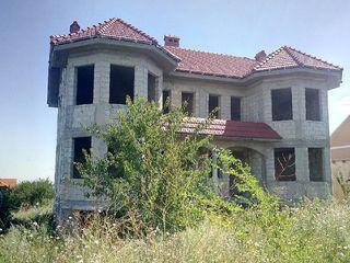 Качественно построенный дом в Сынджере, 300 м2, 4 сотки!