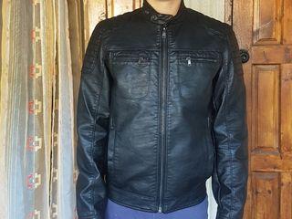 Куртка  Celio фирменная,размен S ,отличное состояние,черная эко кожа