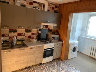 Spre chirie se ofera apartament cu 3 camere,Centru, Gradinilor 25 ,pentru o familie pe lunga durata.