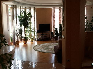 Chirie pe termen lung, casa moderna in apropiere de JUMBO