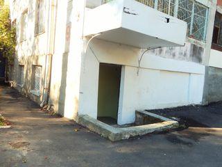 Cel mai mic depozit (60 m2) intr-un bloc locativ de la Riscanovca la doar 1 euro/m2