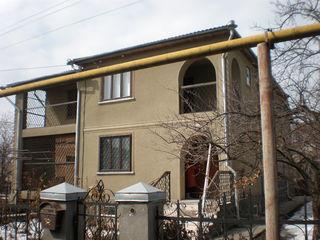 2-х этажный дом или меняем на квартиру с доплатой