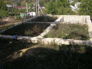 Lot de casa cu fundament in s Bahmut ,Calarasi ; 65km de la Chisinau