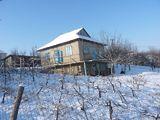Casa cu 2 nivele si 16 ari in Hancesti