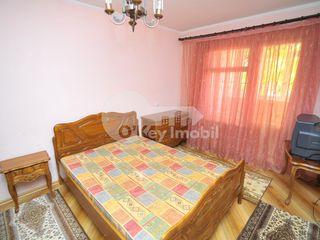 Apartament cu 3 camere, Cuza Vodă, 220 € !