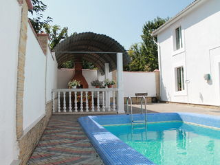 Casa cu sauna si bazin 160€/24h/15persoane !