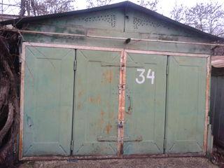 ГСК-4, гараж + подвал (металлические корзины, полки, электричество). (3,66. на 6,20. м) есть подвал
