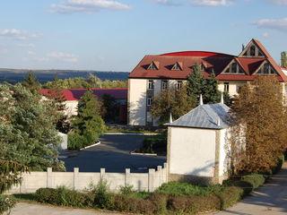 """Se vinde Fabrica de Vinuri """"Ciumai"""" AS.A.  situată în r. Taraclia s. Vinogradovca cu plantatii"""