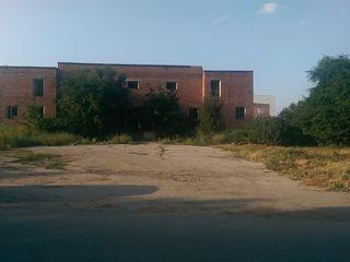 Продается коммерческое здание в г.глодяны
