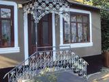 Casa-apartament in centru satului donduseni,schimb pe ap. balti