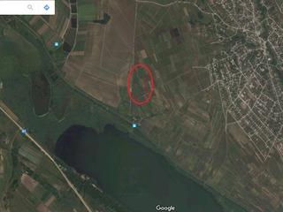 2 Terenuri  cu suprafața totala de 28 ari în s. Sireți, r. Strășeni.