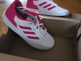 Продам кроссовки Adidas 36 размера.