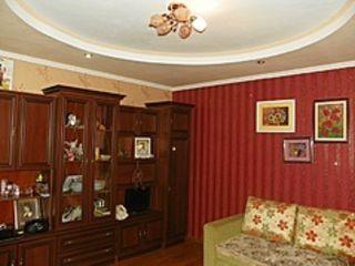 1 комнатную 143 с.3 этаж пос.Добружа район Ботаника