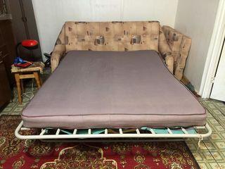 диван-кровать б/у