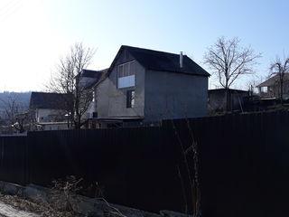 Casa nefinisata Stauceni