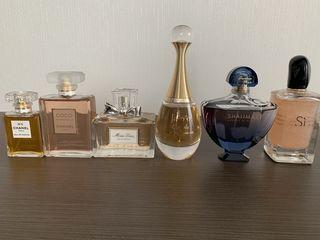 Продам парфюмерию из личного оригиналы ! Всё, что на фото в единственном экземпляре и 100% оригинал!