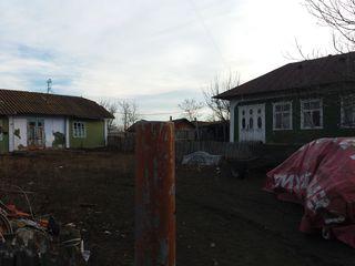 Se vind casa in satul Cuhnesti r, Glodeni