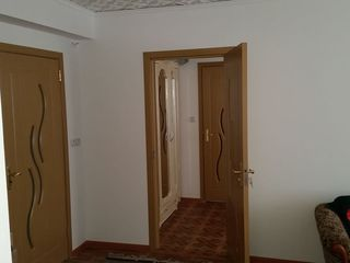 Orasel Biruinta la 15 km de Blati apartament cu 3 camere