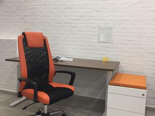 Mobila de birou - Set- masa One-H, tumba, sezut anexa , scaun DakarPlus, orange