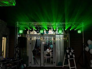 Продается световой комплект - 8 спотов Showtec 50 led , 4  Starville NovaWash , стойки , перекладина
