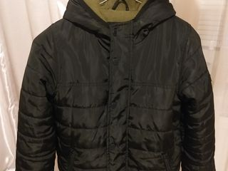 Куртка на мальчика 8-9 лет , 128-134 см . В отличном состоянии.  Чеканы .
