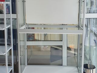 Торговая витрина+стеклянные полки