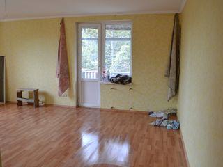 Срочно! Продаю однокомнатную квартиру в центре Калараша.