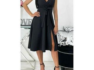 Черное платье, размер S.Для выпускного, торжества или на каждый день.