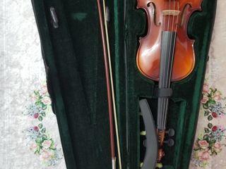 Продается скрипка в отличном состоянии с пеналом.