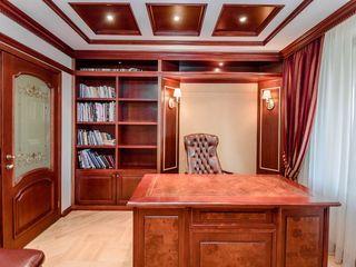 """Complexul """"DELUX"""" 3 dormitoare,cabinet,living,garderoba.1 linie Ambasada Russiei."""