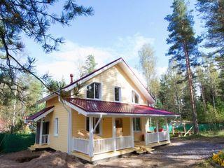 Новый двухэтажный дом с отличной планировкой и большой террасой