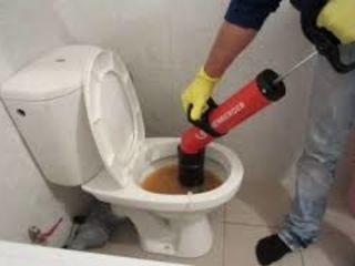 Desfundarea canalizării, bucatarie, veceu, chiuvete, baie, dus.чистка пробивка канализации