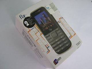 Мобильный телефон c- 3 sim.1 или 2 или 3. активные разные карты одновременно -новый в упаковке