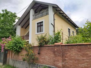 Vânzare vilă, 3 nivele, 160 mp, 7 ari, reparație, Dumbrava, 62 900 euro!