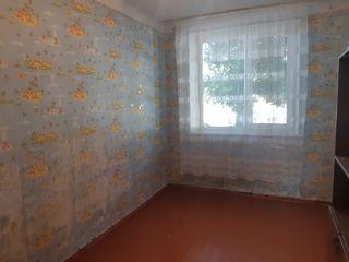 Vinzare apartament 3 odai + garaj in sectorul centru str.Unirii!!!