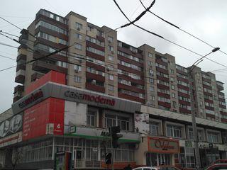 3-х комнатная. Пушкин 44. 6 этаж из 9. Цена 34900 евро.