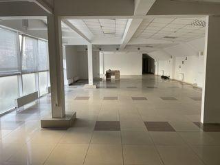 Cдаем офисноe помещение 200 м2 на Рышкановке возле Афганского парка!Первая линия!!