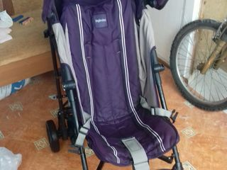 Прогулочная коляска б/у. 400 лей