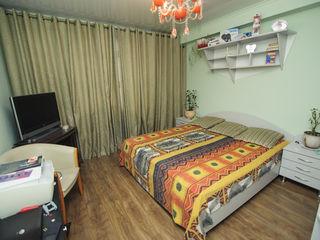 Apartament în chirie, 4 camere, Lev Tolstoi! 700 €!