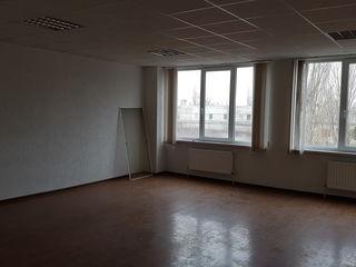 Chirie, oficiu, 26 mp,100 €